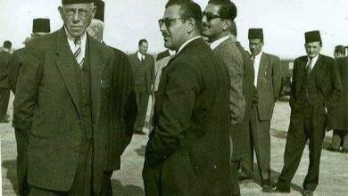 عبد الغني إسرب عند استقبال شكري القوتلي في اللاذقية عام 1944م