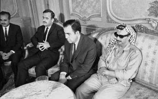 نور الدين الأتاسي وياسر عرفات في مراسم جنازة جمال عبد الناصر (1)