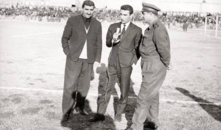 مخلف العمر وعدنان بوظو في لقاء على أرض الملعب البلدي عام 1962