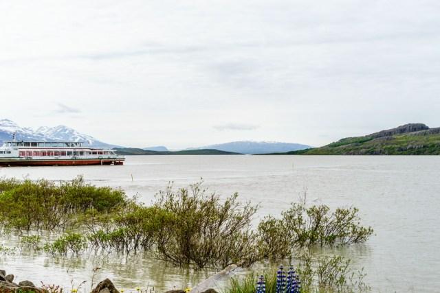 Altes Ausflugsboot am Lögurinn-See