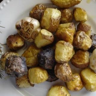 Rosemary Roasted Baby Potatoes and Garlic