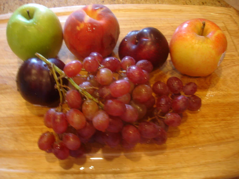 ... was camera-shy: Granny Smith apple, Gala apple, plums, grapes, lemon