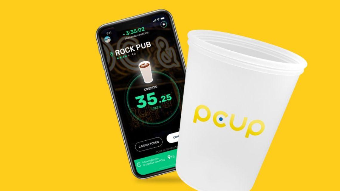 Pcup: il bicchiere in silicone con un chip incorporato che non inquina