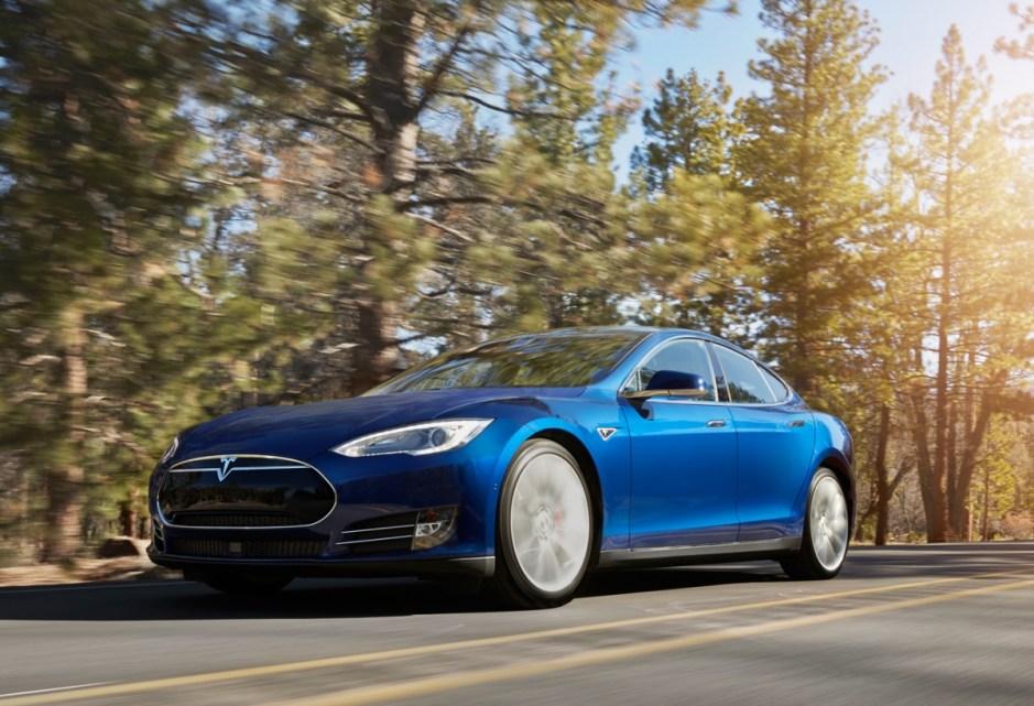 Novità nell'aggiornamento Tesla OS 11 2021