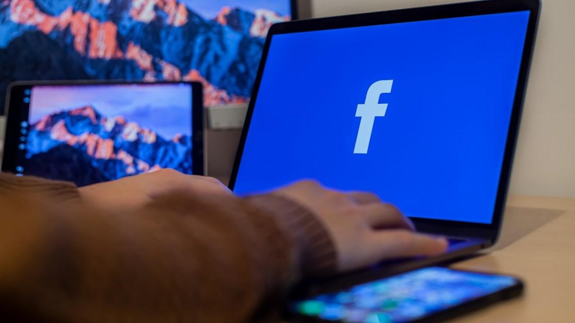 Como excluir e editar seus itens salvos no Facebook