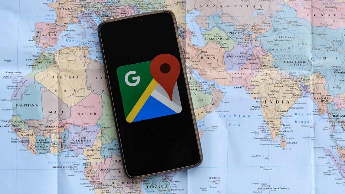 Como relatar erros do Google Maps?