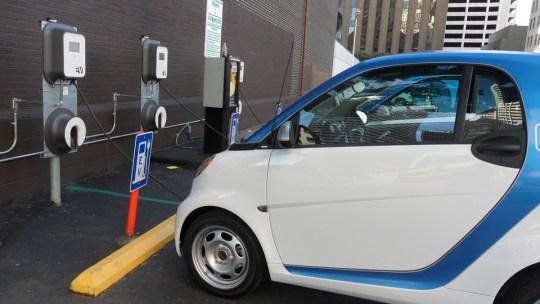Reino Unido se mueve para finalizar las ventas de todos los automóviles no eléctricos para 2035