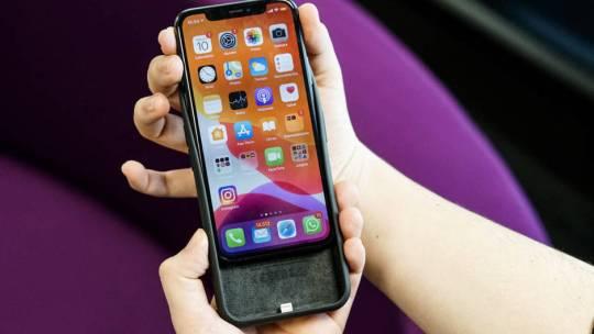 Smart cover: las mejores fundas de teléfono móvil con batería integrada disponibles en Amazon