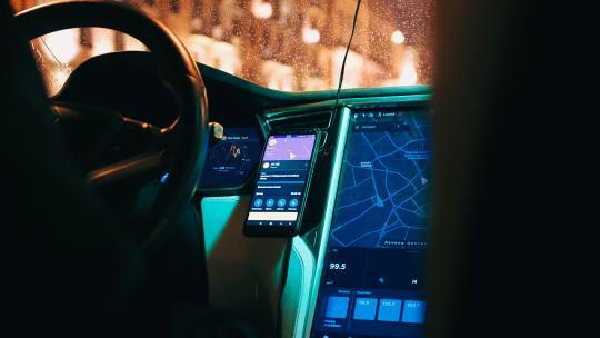 Cómo Activar y Utilizar Android Auto en tu Vehículo