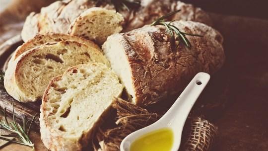 How to make homemade bread and sourdough