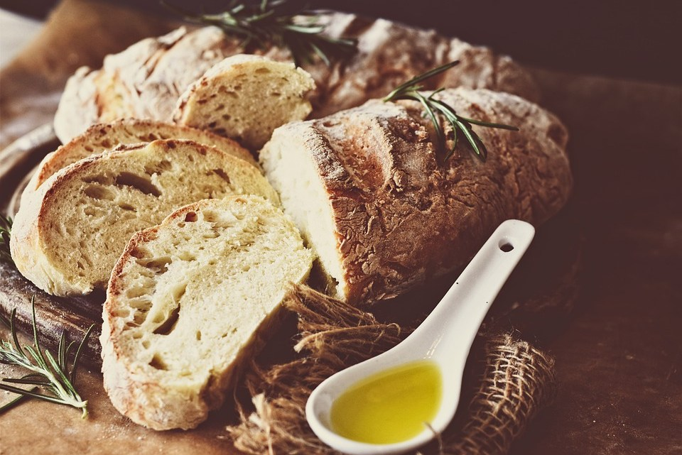 How to make homemade bread and sourdough