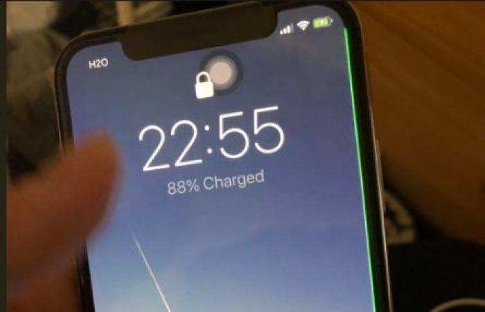 medium 2017 11 11 1618391b9b - خطوط خضراء تظهر في شاشات آيفون اكس الرائد الجديد تثير ذعر مستخدمي الهاتف