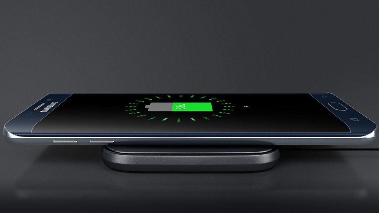 uk feature wireless charger mini pa510 56022398 - أخيرًا أصبحت تقنية الشحن اللاسلكي عن بعد جاهزة للإستخدام في جميع الجوالات