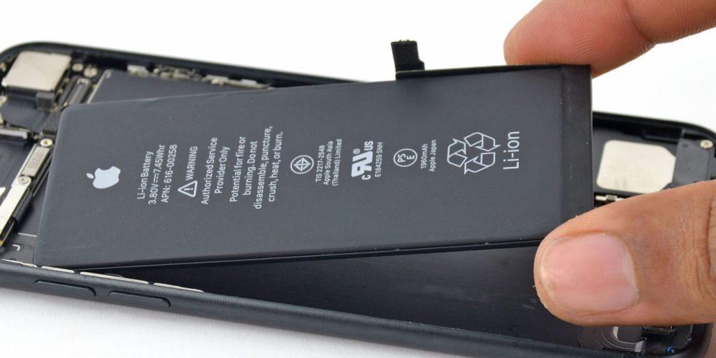 iphone7battery 1024x512 - تقرير جديد يؤكد مبالغة آبل في تقدير عمر بطارية جوالات آيفون الخاصة بها