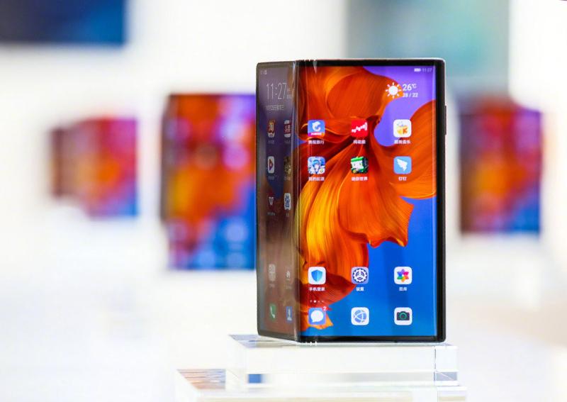 191023 Huawei foldablephone Weibo - هواوي تعلن وصول جوال Mate X القابل للطي للأسواق بدعم شبكات الجيل الخامس