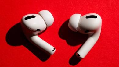 Photo of مبيعات سماعات Apple AirPods تحقق أرقام قياسية بين البلاك فرايداي وسايبر مونداي