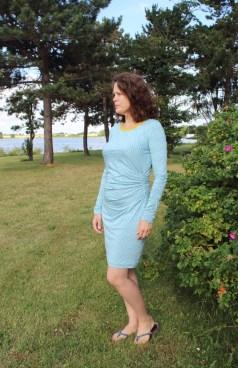 Modell og designer - flotte Lise i egen kjole