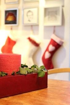 Det blir jul på en 1-2-3 når julestrømpene henges opp.