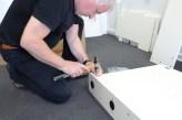 Monteringen er ikke vanskelig, men modulene er tunge og solide.