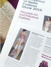Morsomt å lese sitt eget navn i katalogen - fint bilde av Andrea med kjolen på