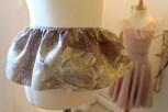 Den første delen av kappen er ferdig - til min kjole som passer til en 2-3-åring bruke jeg ca 110 cm i lengden