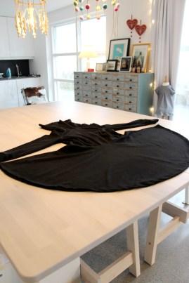 Kjolen er ferdig - men det mangler likssom noe...