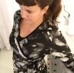 Denne kjolen er laget nøyeaktig etter mønsteret fra Burda 10/2008 model 119. Her kan man se problemet med det fleste omslagskjoler - kanten bølger og utskjæringen føles litt ubekvem dyp så en topp er på sin plass under kjolen