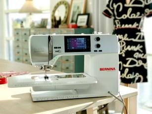 Quilttoppen sys sammen på en vanlig symaskin - jeg har brukt Bernina 570 Quilters Edition