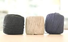 Jeg har brukt mitt favorittgarn fra Stoff og Stil - Heavy Wool Cotton. Det lyse linfargede garnet minner veldig om fargen på tråden som opprinnelig ble brukt når man sydde Boro.