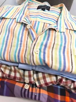 Pappa har donert noen av sine gamle skjorter - romslige i størrelsen og vasket myke etter mange omganger i vaskemaskinen