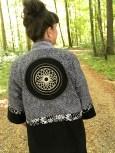 Blikkfang på ryggen - ornament som gir en japansk følelse
