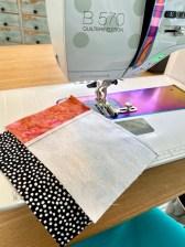 Det er en fanstastisk hjelp å ha en sømguide på symaskinen - en millimeter ER en millimeter
