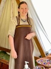 Dyktige Tinna Riis Nielsen lager de skjønneste perler. Hun er medlem av Håndværksgruppen Roulf