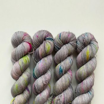 Sysleriget Merino Singles Dark Side of the Unicorn Party
