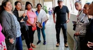 Director del IMSS-Acámbaro no atiende a pacientes y enfrenta a la prensa