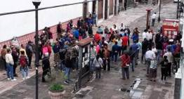 Tianguistas 'toman' la Alcaldía de Acámbaro, pero acordarían integrar a nuevos comerciantes