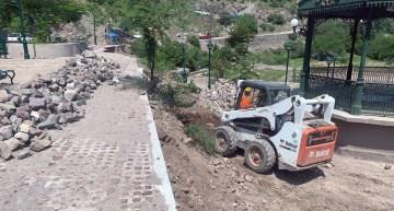 Atiende SICOM  deslaves en el municipio de Xichú