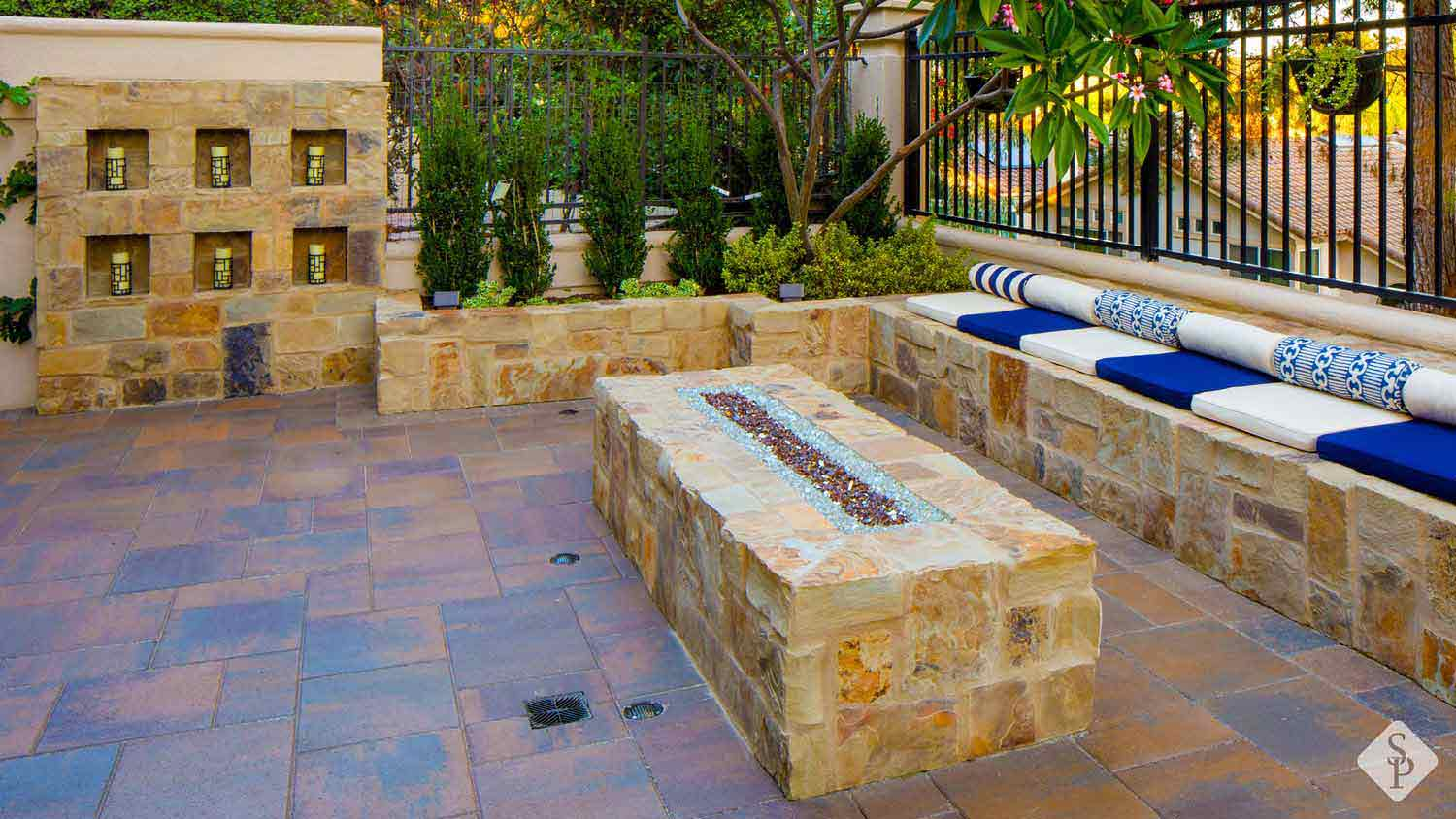 how to bring your outdoor space to life with a paver patio