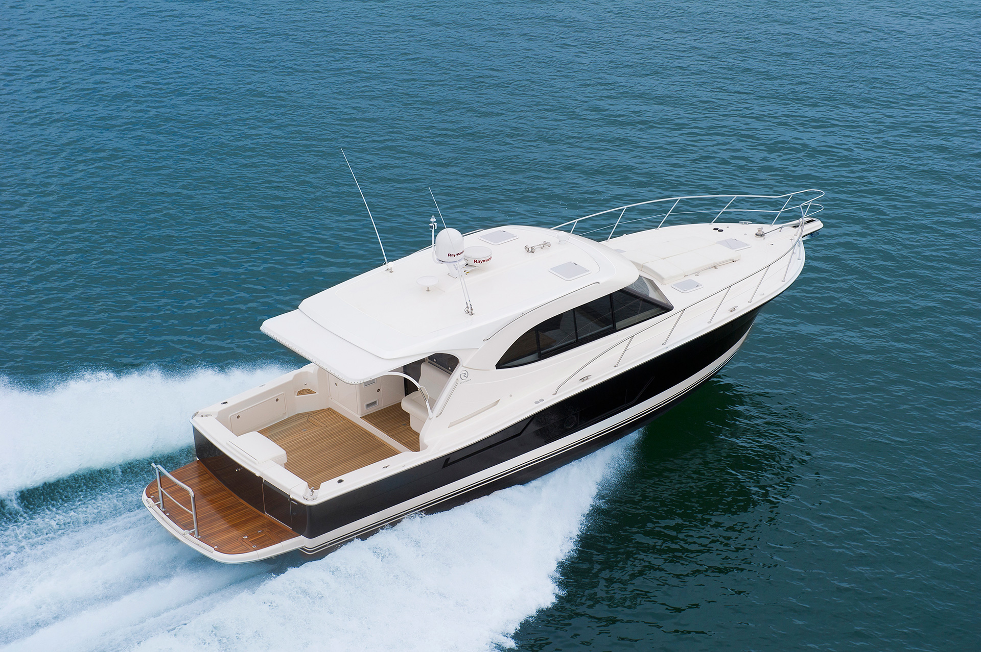 Riviera 445 SUV For Sale SYS Yacht Sales