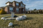 Several statues lying topped on the lawn - one with the head smashed clean off Read more: http://www.dailymail.co.uk/news/article-3463837/Family-deep-debt-NBA-player-Delonte-West-insists-getting-medical-help-despite-disturbing-new-footage-showing-former-star-bellowing-kids-dancing-wildly-strip-mall.html#ixzz41DZ2eLKi Follow us: @MailOnline on Twitter   DailyMail on Facebook