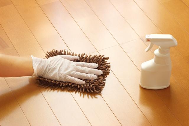 床掃除にカビキラーや重曹は使えない