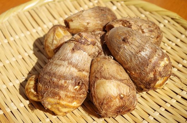 里芋の皮のむき方と保存方法