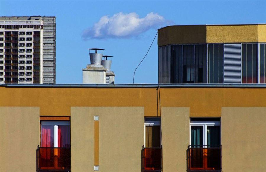 Kilátás a Gosztonyi utcából, Horváth Béláék konyhájából. Azóta ők is elköltöztek, és már a ház sem áll (2012)
