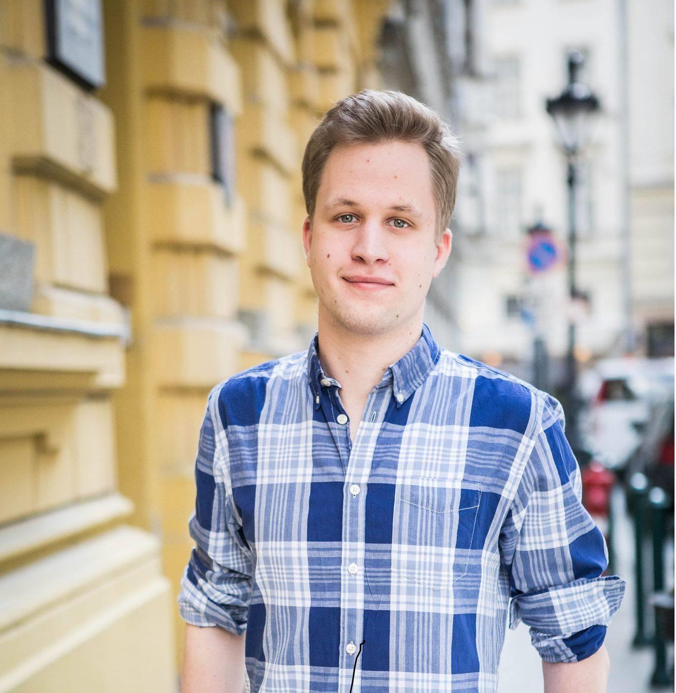 Kührner László