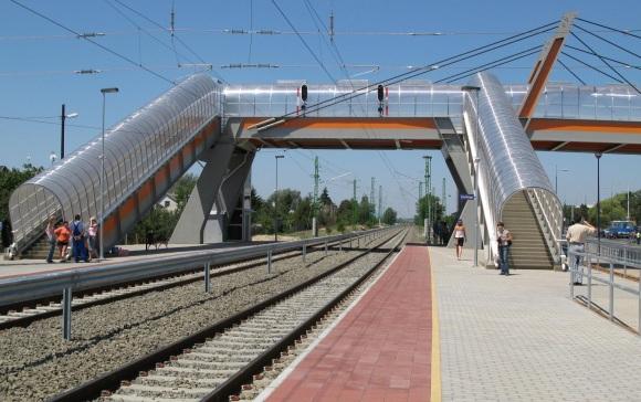 Vonat Ferihegy mellett
