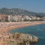 Lloret tegerpartja, nyári strandidő