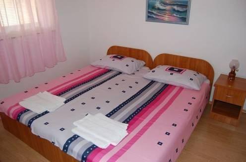 Apartman szállás EL-PI Njivice ágy
