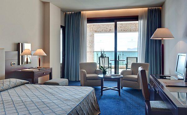 Hotel Carlos V luxus szálloda szoba