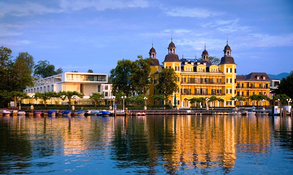 Schloss Velden Hotel - kastély-szálloda