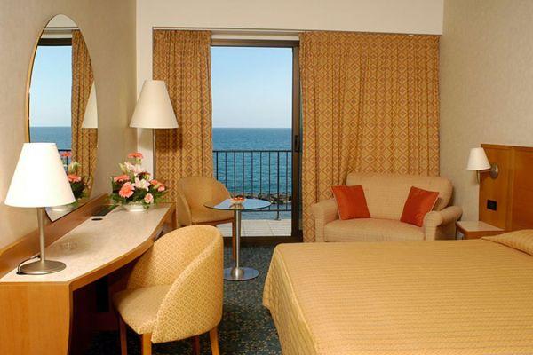 Diano Marina szálloda szoba